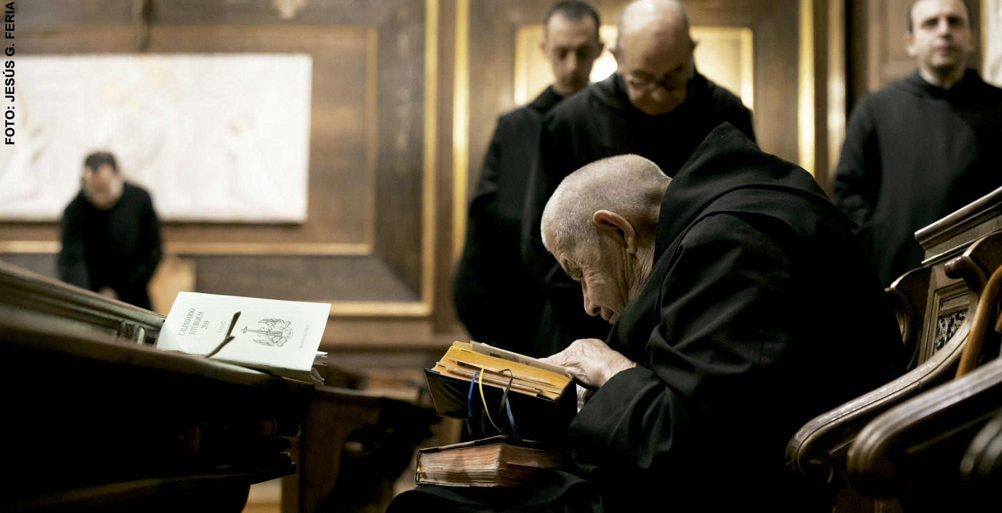Monjes benedictinos del Valle de los Caídos
