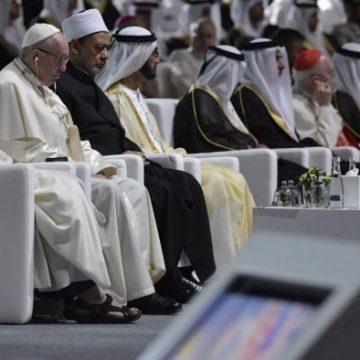 El papa Francisco, en su encuentro interreligioso en Abu Dabi