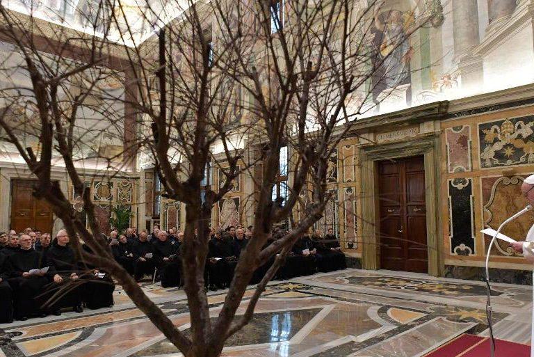 El papa Francisco en audiencia con los hermanos de la Orden Hospitalaria de San Juan de Dios
