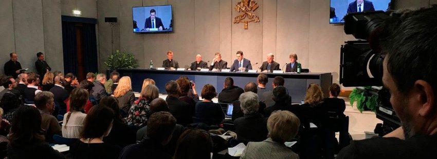 Rueda de prensa cumbre antiabusos Roma