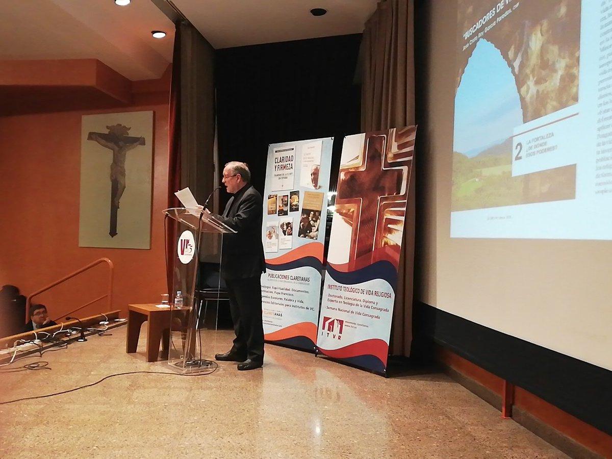 José Cristo Rey García Paredes en el simposio por los 75 años de la revista Vida Religiosa