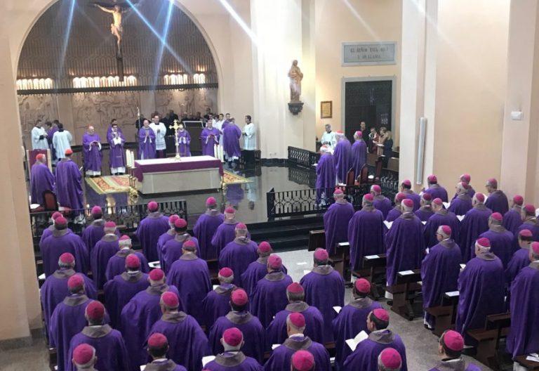 Los obispos españoles celebran la eucaristía en el Cerro de los Ángeles