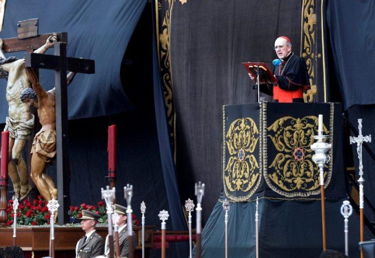 El cardenal Osoro, durante el Sermón de la Siete Palabras de Valladolid