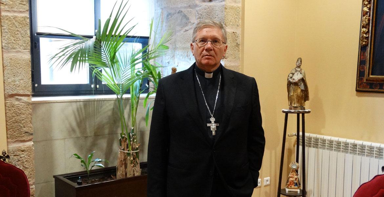 juan-antonio-menedez-obispo-astorga1