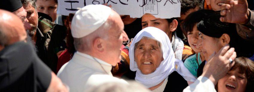 El papa Francisco, en Lesbos con refugiados