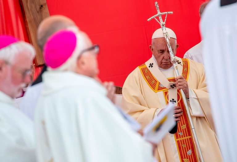 El papa Francisco, durante su visita a Macedonia del Norte