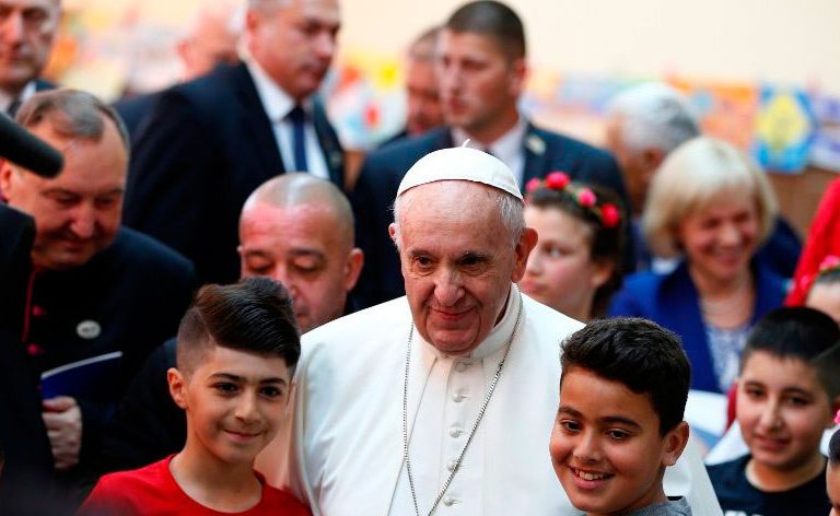 El papa Francisco, en un campo de Refugiados de Sofía, en Bulgaria