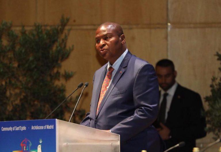 El presidente de República Centroafricana en el Encuentro por la Paz