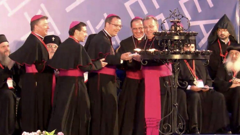 Ginés García Beltrán, con los obispos auxiliares de Madrid, durante el acto
