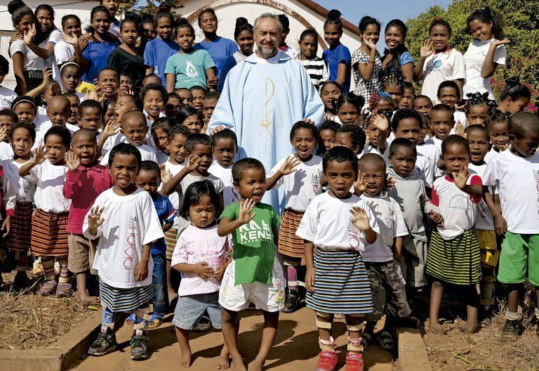 Julián Cadenas, misionero en Madagascar