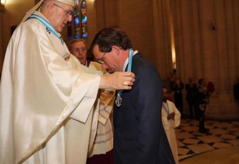 El alcalde de Madrid, José Luis Martínez-Almeida, con el cardenal arzobispo de Madrid, Carlos Osoro