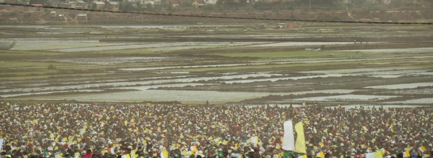 Vista panorámica de la misa del Papa en Antananarivo