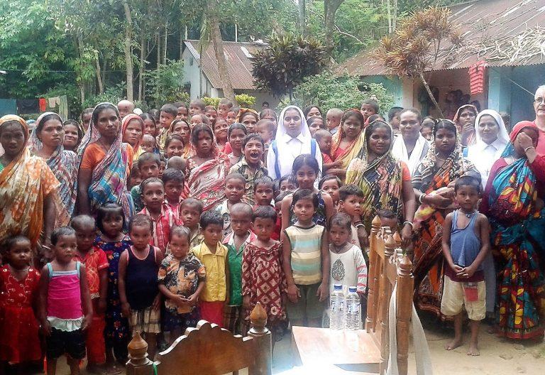 El hermano marista Martí Enrich Figueras, en Bangladesh