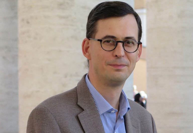 Nicolas Senèze, corresponsal de 'La Croix' en el Vaticano