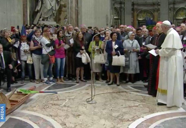 El papa Francisco, en la oración que puso inicio al Sínodo sobre la Amazonía