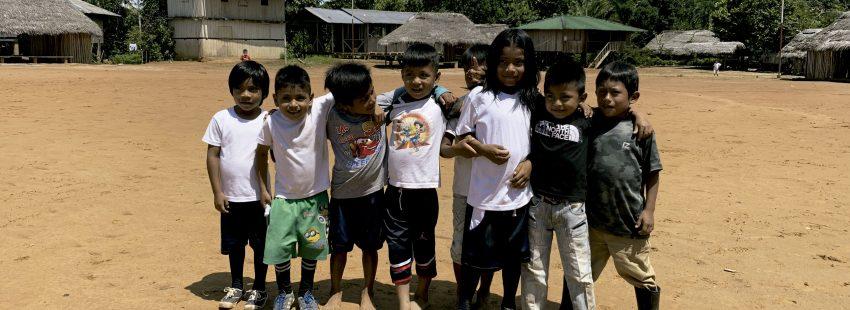 Niños en Sarayaku (Ecuador)