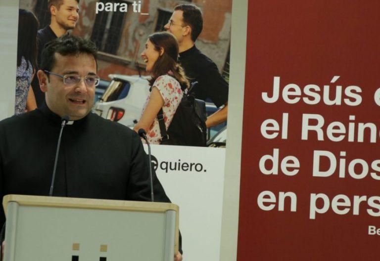 El sacerdote Fernando Alcázar