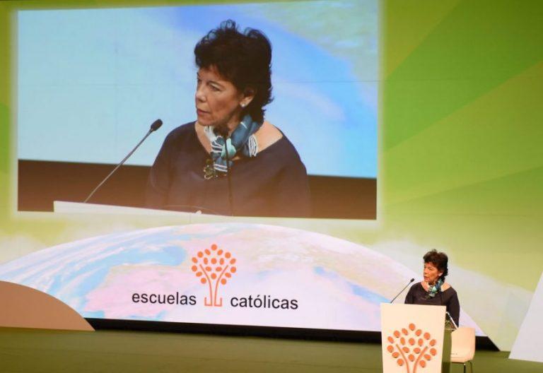 Isabel Celaá en el Congreso de Escuelas Católicas