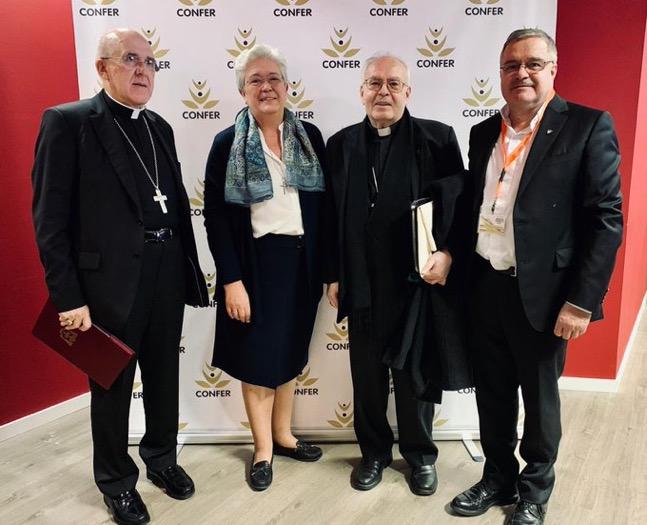 Los cardenales Osoro y Bocos, Mariña Ríos y Jesús Díaz Sariego