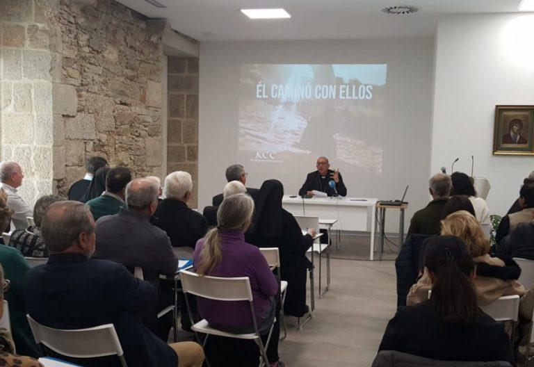 El cardenal Juan José Omella, en una conferencia sobre el Camino de Santiago