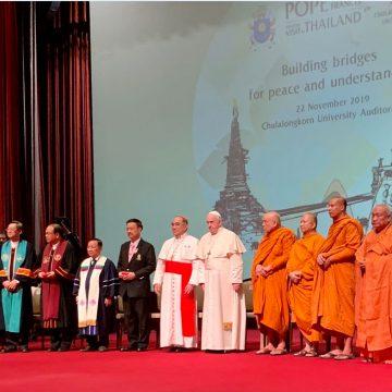 El papa Francisco, con los líderes religiosos de Tailandia