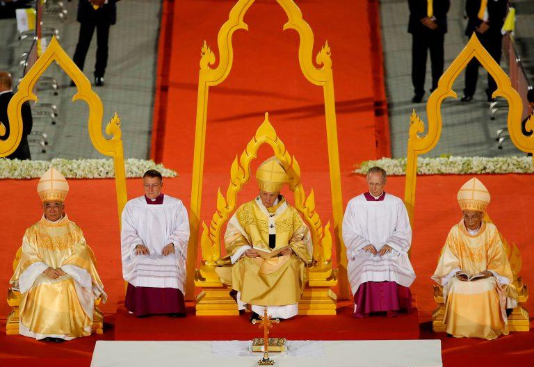 El papa Francisco en la misa de Tailandia