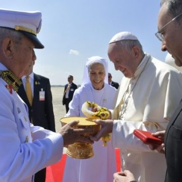 El Papa Francisco, a su llegada a Tailandia