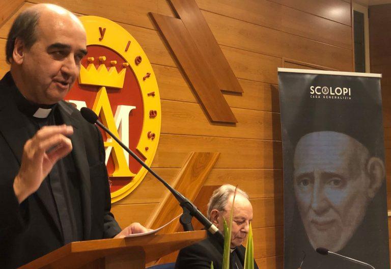 Pedro Aguado en la presentación de la Opera Omnia de Calasanz