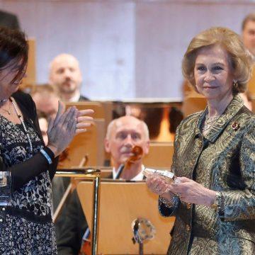 La Reina Sofía recibe el Premio Extraordinario Manos Unidas