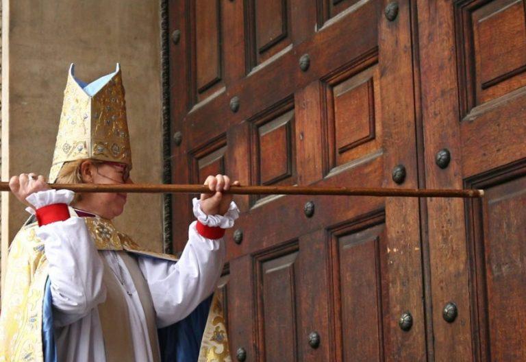 La obispa de Londres Sarah Mullally