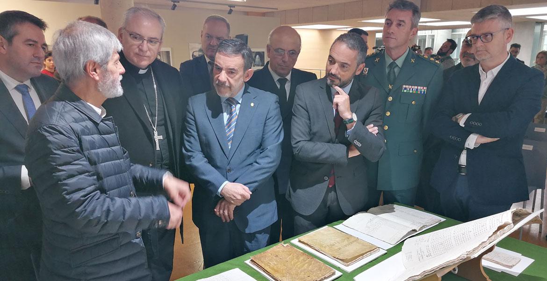 obispo-auxiliar-cartagena-sebastian-chico-entrega-piezas-arte-robadas