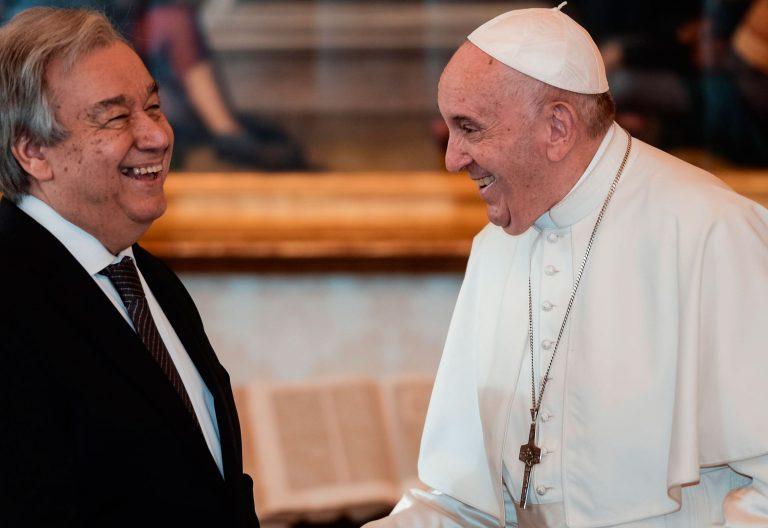 El papa Francisco, en una audiencia con Antonio Guterres, secretario general de la ONU