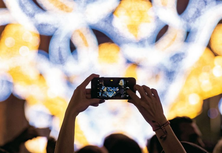 telefono-movil-luces-navidad