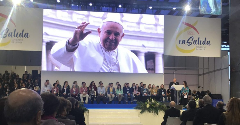 El nuncio Bernardito Auza, durante la lectura del mensaje papal