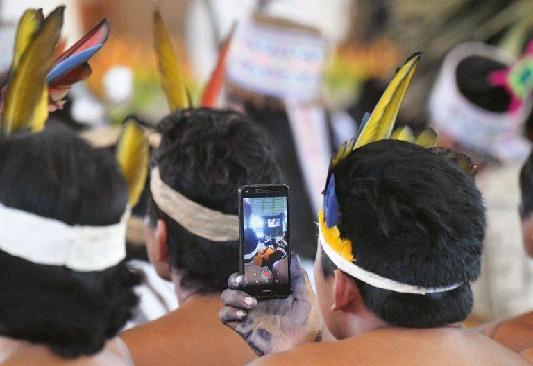 Indígenas participan en Síno de la Amazonía en Roma