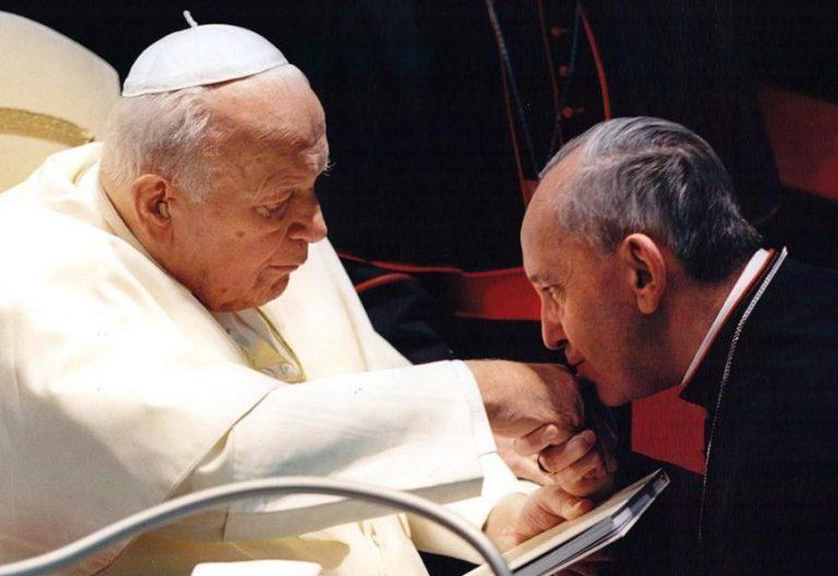 Juan Pablo II y Francisco