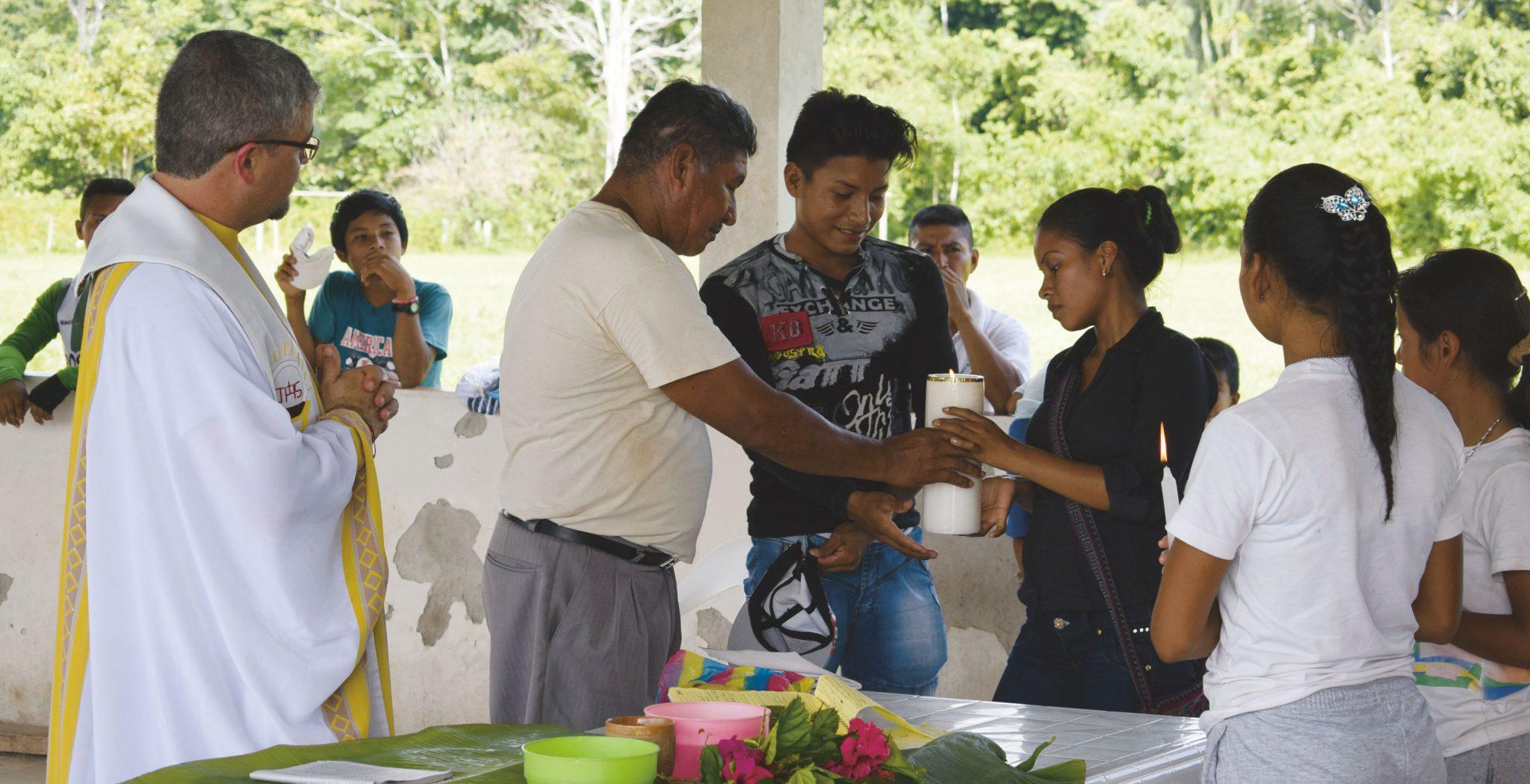 celebración eucaristía Amazonas