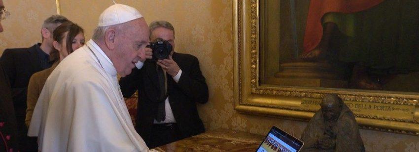 El Papa inaugura la red Super Monjas