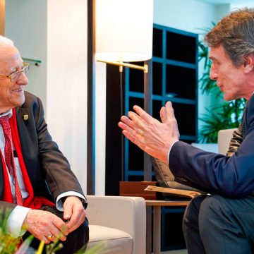 Padre Ángel, con el presidente del Parlamento Europeo