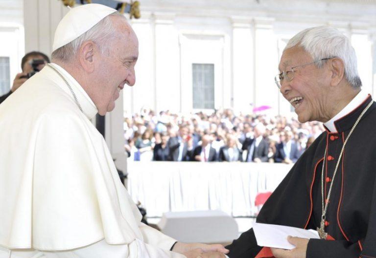 El cardenal Joseph Zen y el Papa Francisco