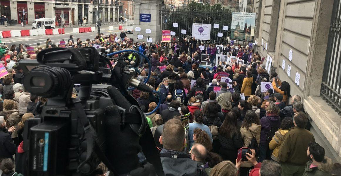 Vista general de la Revuelta de Mujeres en la Iglesia de Madrid