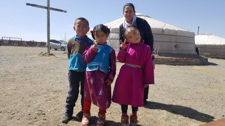 Esperanza Becerra, misionera en Mongolia