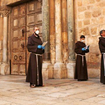 Franciscanos en el Santo Sepulcro