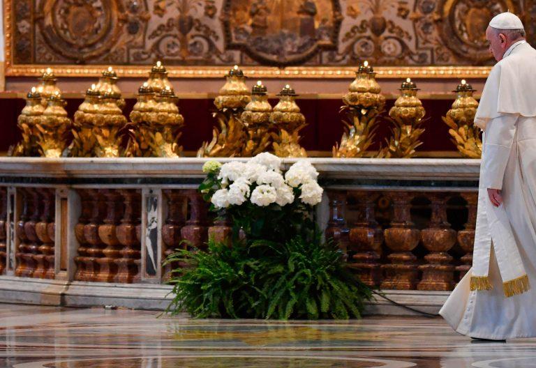 El papa Francisco, en la misa del Domingo de Pascua