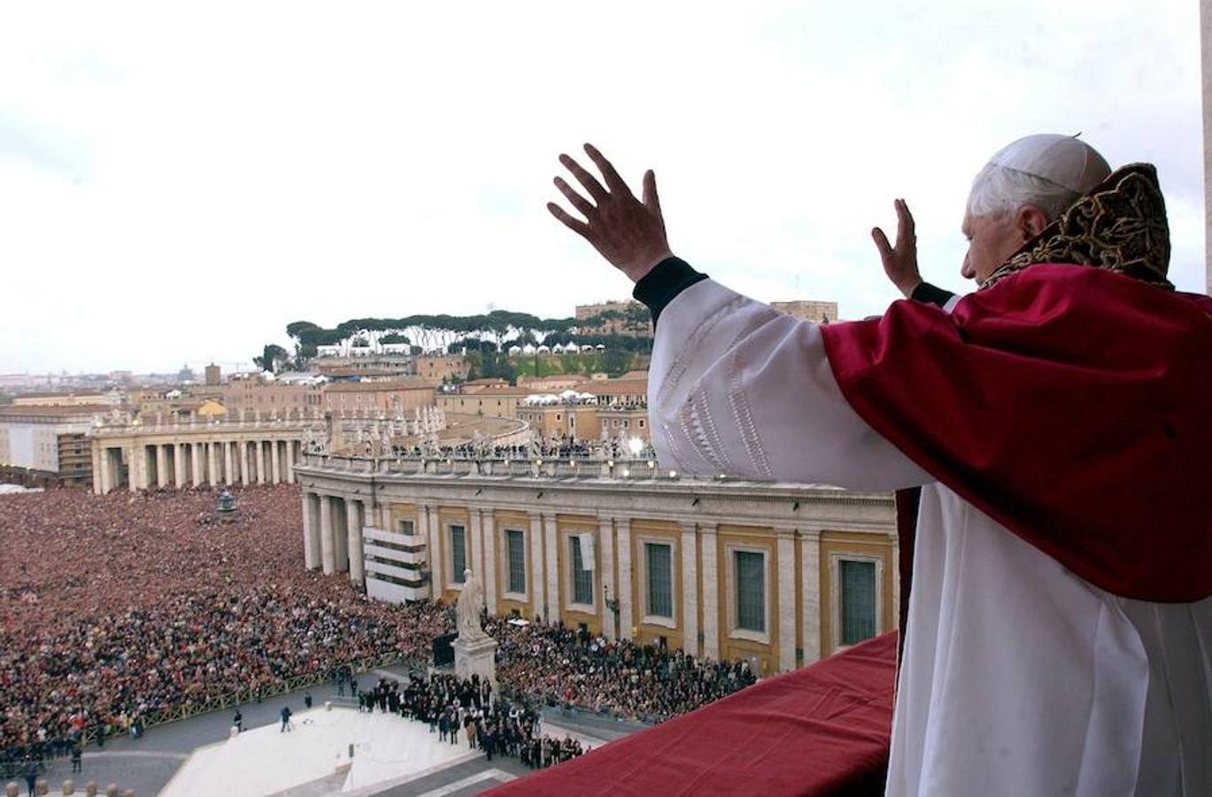 Benedicto XVI cumple 93 años y reza especialmente por enfermos de coronavirus