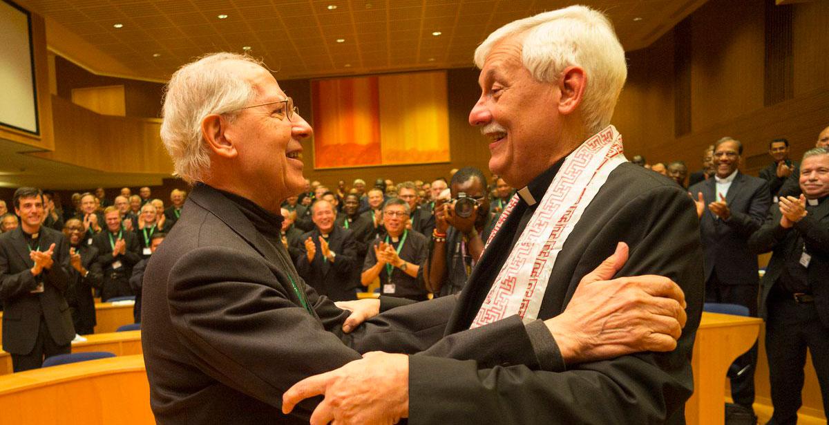 Adolfo Nicolás con Arturo Sosa