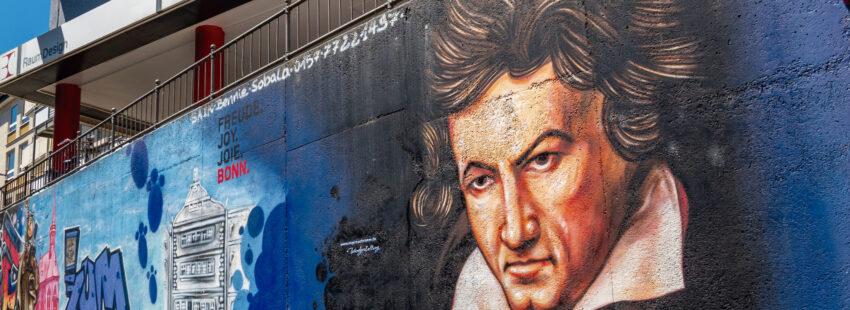 Ludwig van Beethoven en un muro de Bonn