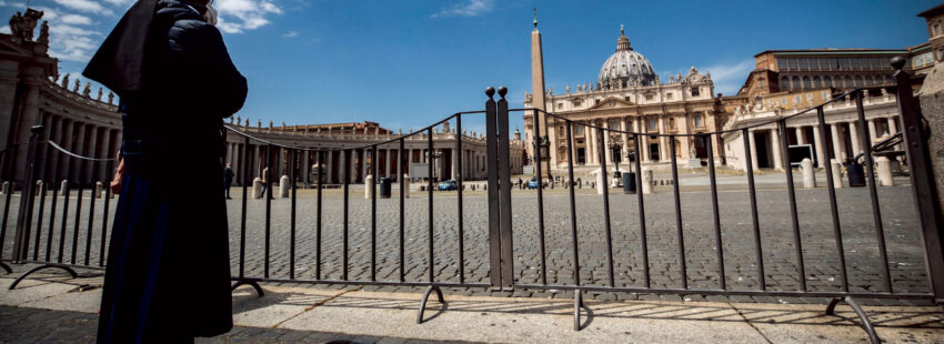 Relaciones entre religiosos y obispos