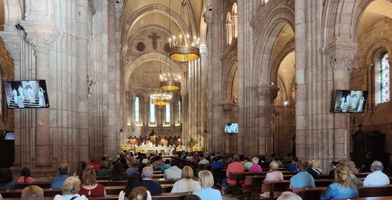 El santuario de Covadonga, ayer, en la eucaristía presidida por el nuncio