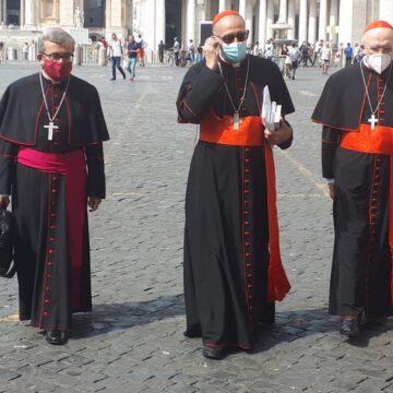 Argüello, Osoro y Omella, al concluir la reunión con el papa Francisco